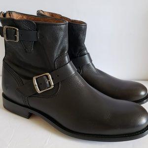 Frye \Tyler Engineer Back Zip Boots
